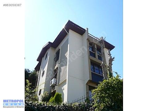 Bahçeşehir Merkezde büyük bahçeli 5+2 D tipi villa...