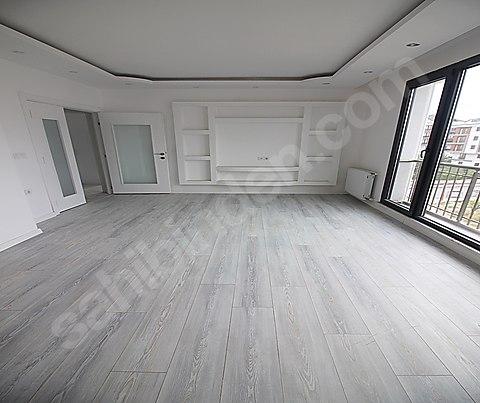 شقة دوبلكس في منطقة راقية في بيلك دوزو اسطنبول