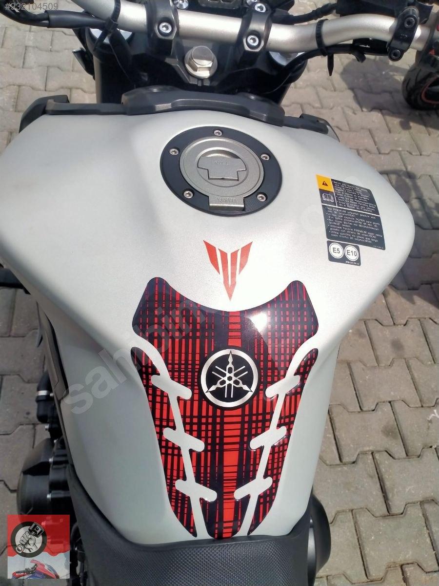 Yamaha MT-09 2015 Model Naked / Roadster Motor Motosiklet