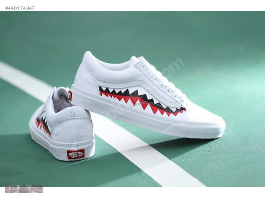 5c774f040aa VANS X BAPE SHARK TOOTH CUSTOM MADE SKATING VN0AY8Z7BPX WHIT