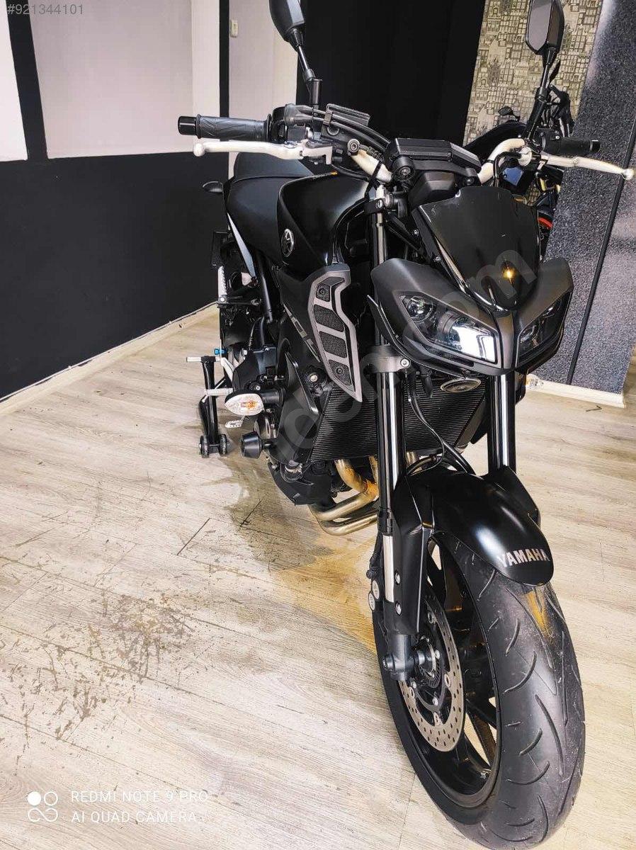 Yamaha MT-09 2019 Model Naked / Roadster Motor Motosiklet