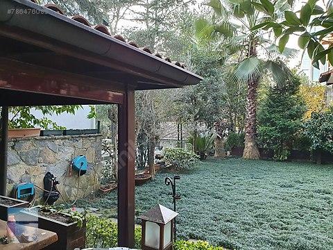Levent Te Merkezi Konumda 3 Katlı Müstakil Villa...