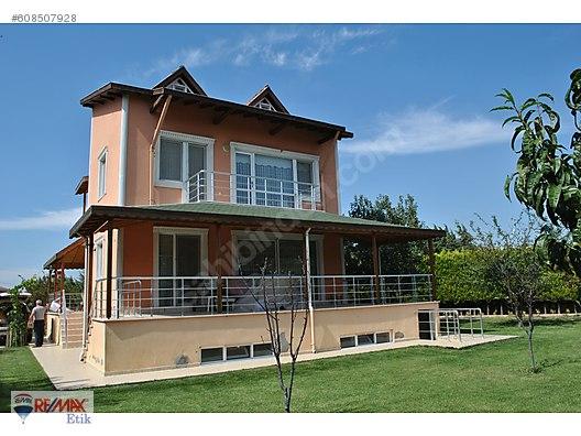 Silivri Kinali çiftlik Evlerinde çok Bakimli Firsat Fiyat Villa