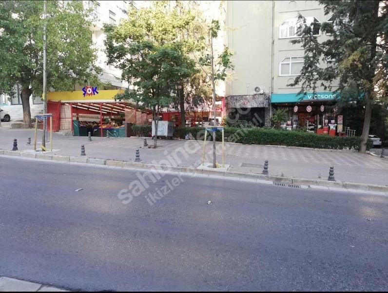 Tütüncü M. Efendi Caddesi Üzerinde 150m2 Net Mağaza