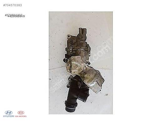 Cars & SUVs / Engine / A2742000301 Pompa Mercedes C180