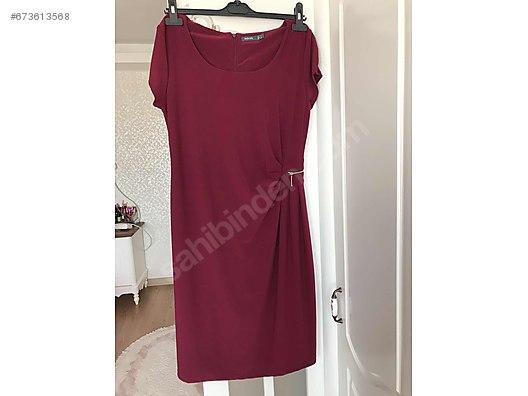 4fe6e8d871932 Mürdüm rengi diz üstü gece elbisesi - Özel Dikim Elbise Modelleri ...