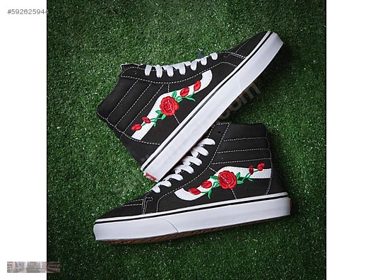 ede7aaafefa3 Casual Shoes   VANS OLD SKOOL ROSE PRINT SK8 MID REISSUE ...