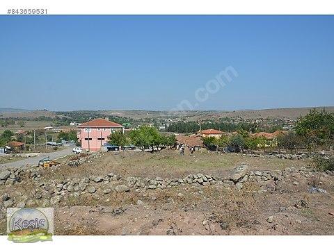 1.280 m2 köy kenarı meraya bitişik arsa.