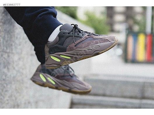 buy online 76cd4 5f94c Adidas YEEZY BOOST 700
