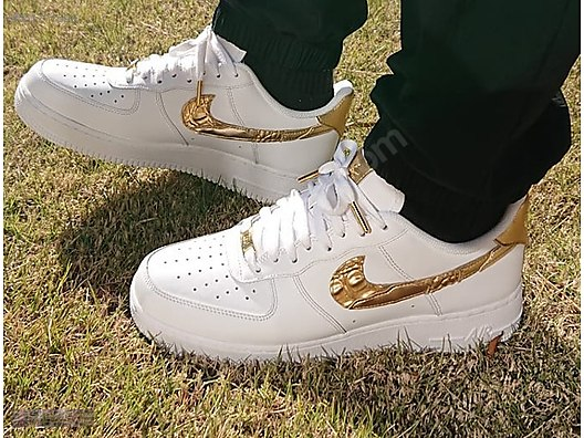 online retailer adc1f 210fc NIKE AIR FORCE 1 CR7 07 CRISTIANO RONALDO GOLDEN PATCHWORK 100
