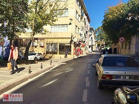 Zeynep Kamil Çocuk Acil Karşısı Temiz 2+1 85 m2...