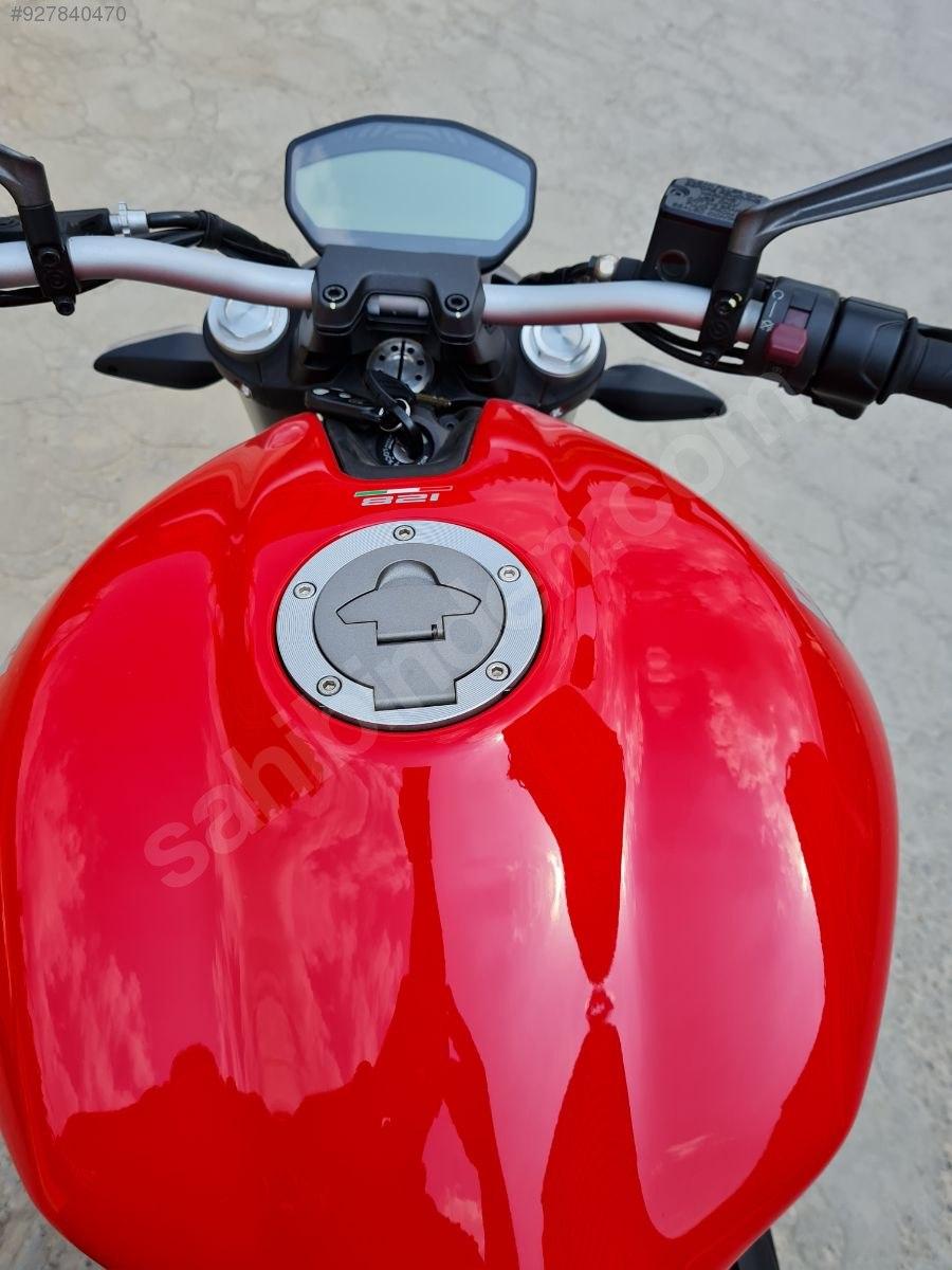 Ducati Monster 821 2016 Model Naked / Roadster Motor