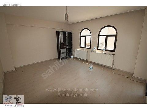 Yeni Girne Cadde Paraleli 3 Odalı 110 M2 Çift Cepheli...