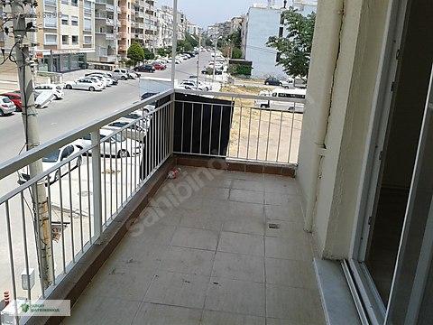 Karşıyaka Girne Bulvarı yakınında 2+1 ara kat daire