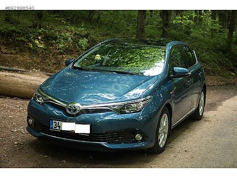 Toyota Auris 1 8 Hybrid Active Skypack Toyota Auris 1 8