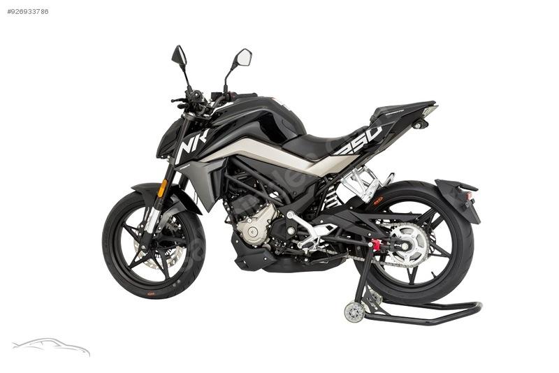 CF Moto 250 NK 2021 Model Naked / Roadster Motor